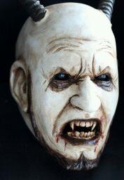 - miguel-walch-gebrauchte-maske-2011-1